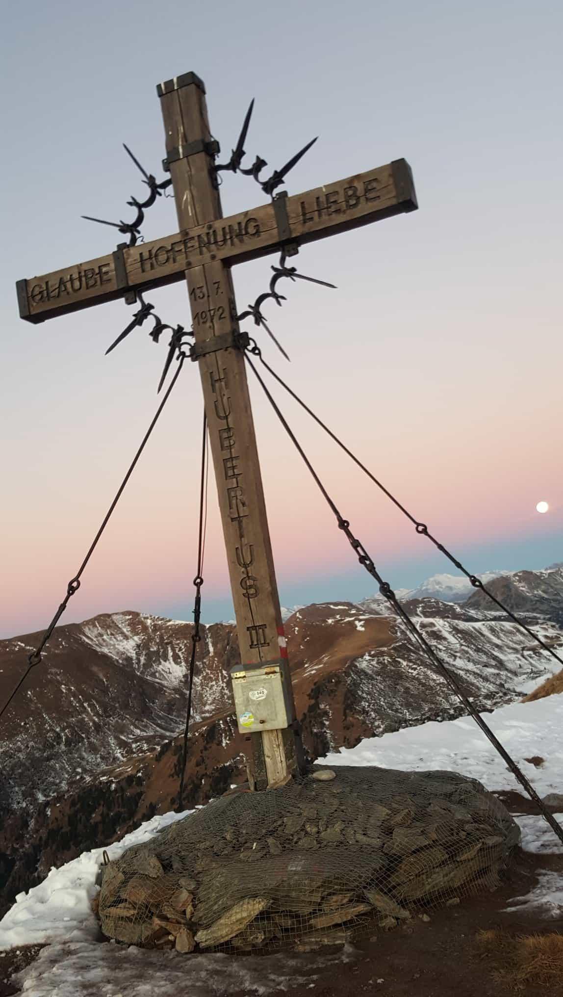 Winterwanderung abseits der Pisten auf Turracher Höhe in Kärnten & Steiermark - Wandern & Urlaub in Österreich