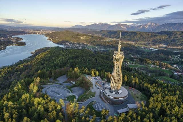Kärntens schönster Aussichtsturm – der Pyramidenkogel – ganzjährig geöffnet