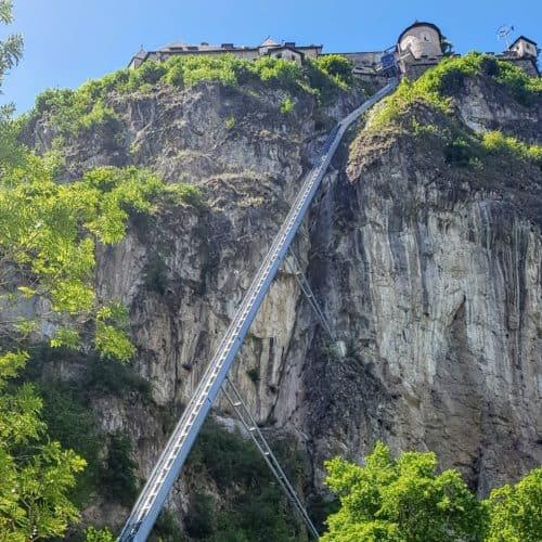 Schrägbahn auf die Burg Hochosterwitz in Kärnten - barrierefreies Ausflugsziel Nähe St. Veit und Klagenfurt in Österreich