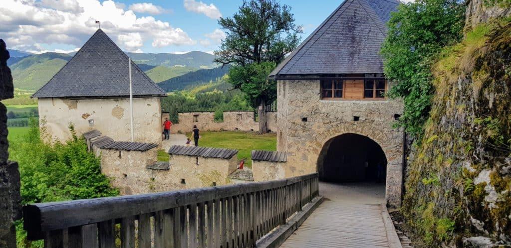 Burgtor mit Zugbrücke - Engeltor Hochosterwitz Kärnten