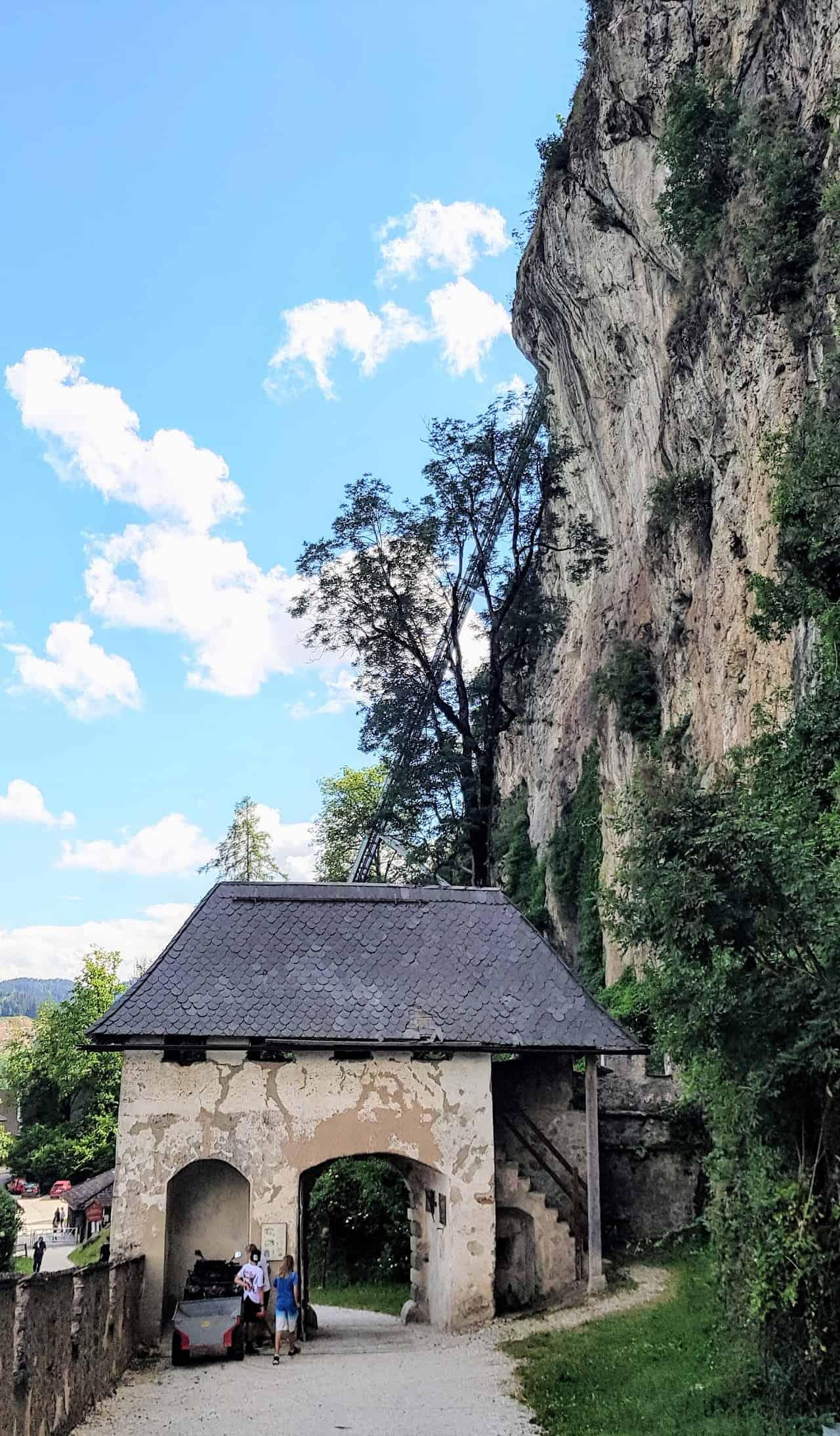 Fähnrichtor. 1. Tor Burg Hochosterwitz Rückseite - Sehenswürdigkeit & Ausflugsziel in Kärnten - Österreich Urlaub