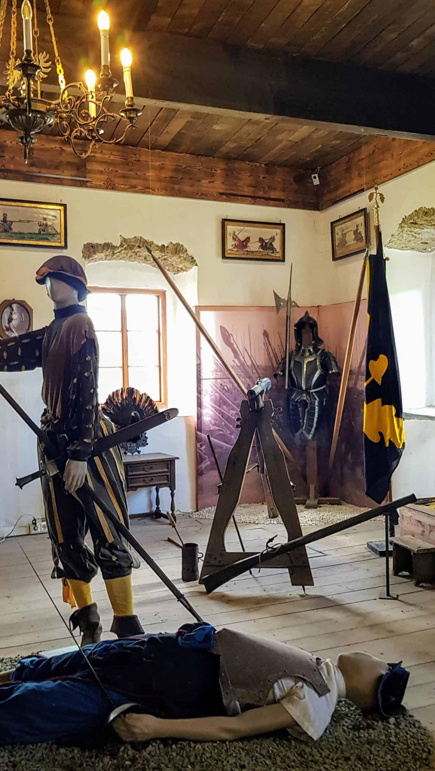Im Khevenhüller Gardemuseum des beliebten Ausflugsziels Hochosterwitz in Kärnten - Museen und Ausstellungen in Österreich