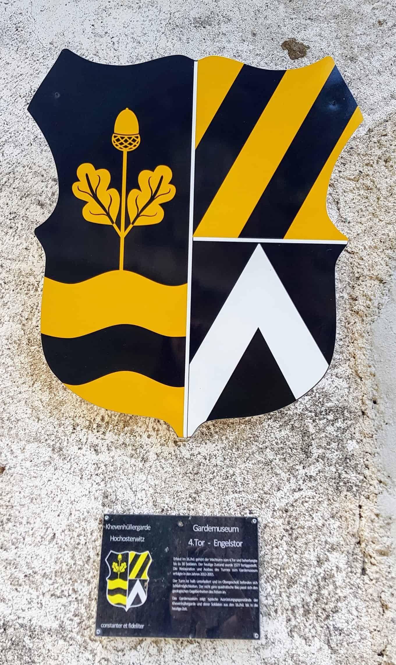 Wappen Khevenhüller beim Gardemuseum der Khevenhüller Garde auf der Burg Hochosterwitz - Ausflugsziel in Kärnten