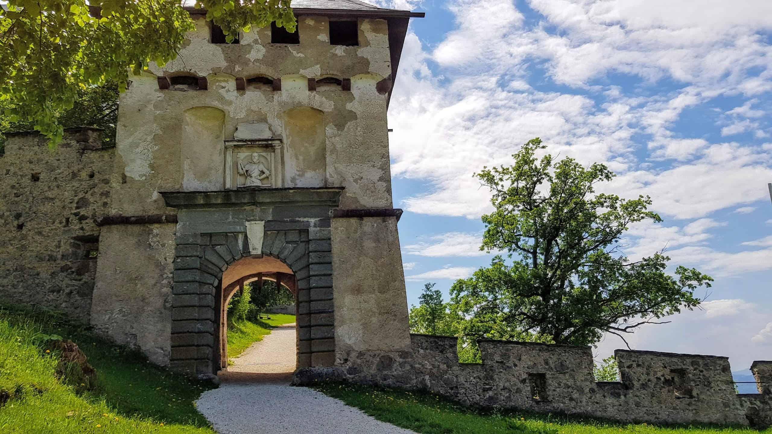 Burgtore Hochosterwitz - Khevenhüllertor. Die Hochosterwitz ist eines von Kärntens TOP Ausflugszielen Nähe Klagenfurt und St. Veit
