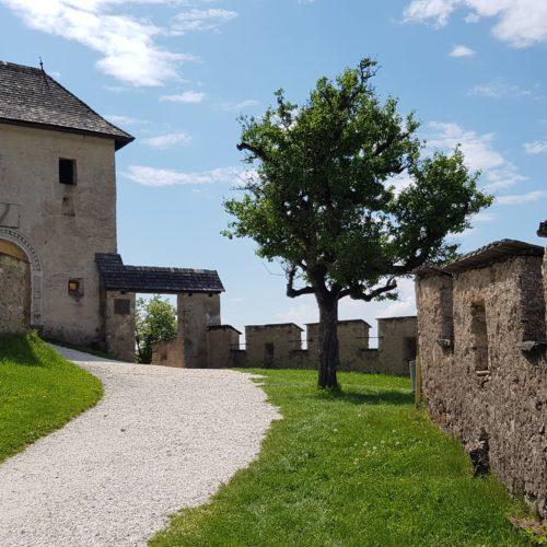 Burgtore Mittelalter - Kirchentor auf Burg Hochosterwitz in Mittelkärnten, Nähe St. Veit und Klagenfurt am Wörthersee
