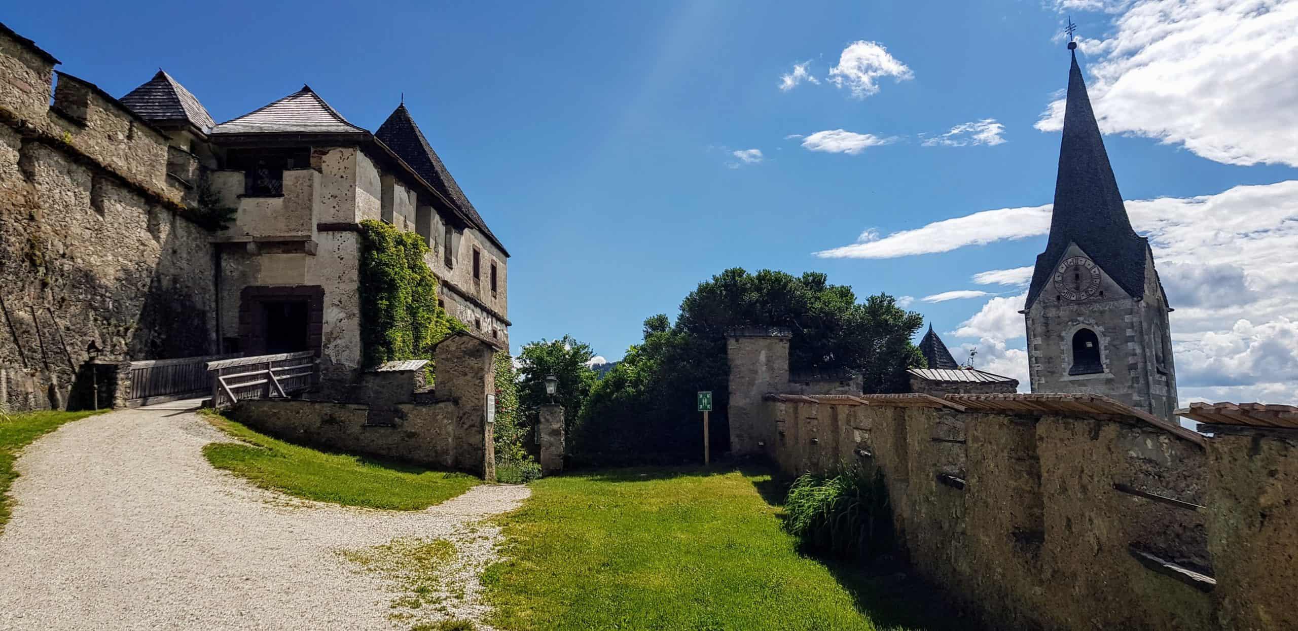 Kulmertor auf Burg Hochosterwitz - mittelalterliche Burgtore. Sehenswürdigkeit in Kärnten, Nähe St. Veit