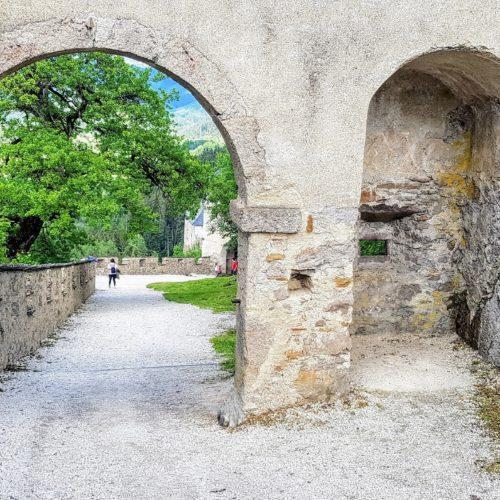 Manntor Rückseite - Mittelalter-Burgtor des Kärntner Ausflugsziels Hochosterwitz, Nähe Klagenfurt und St. Veit