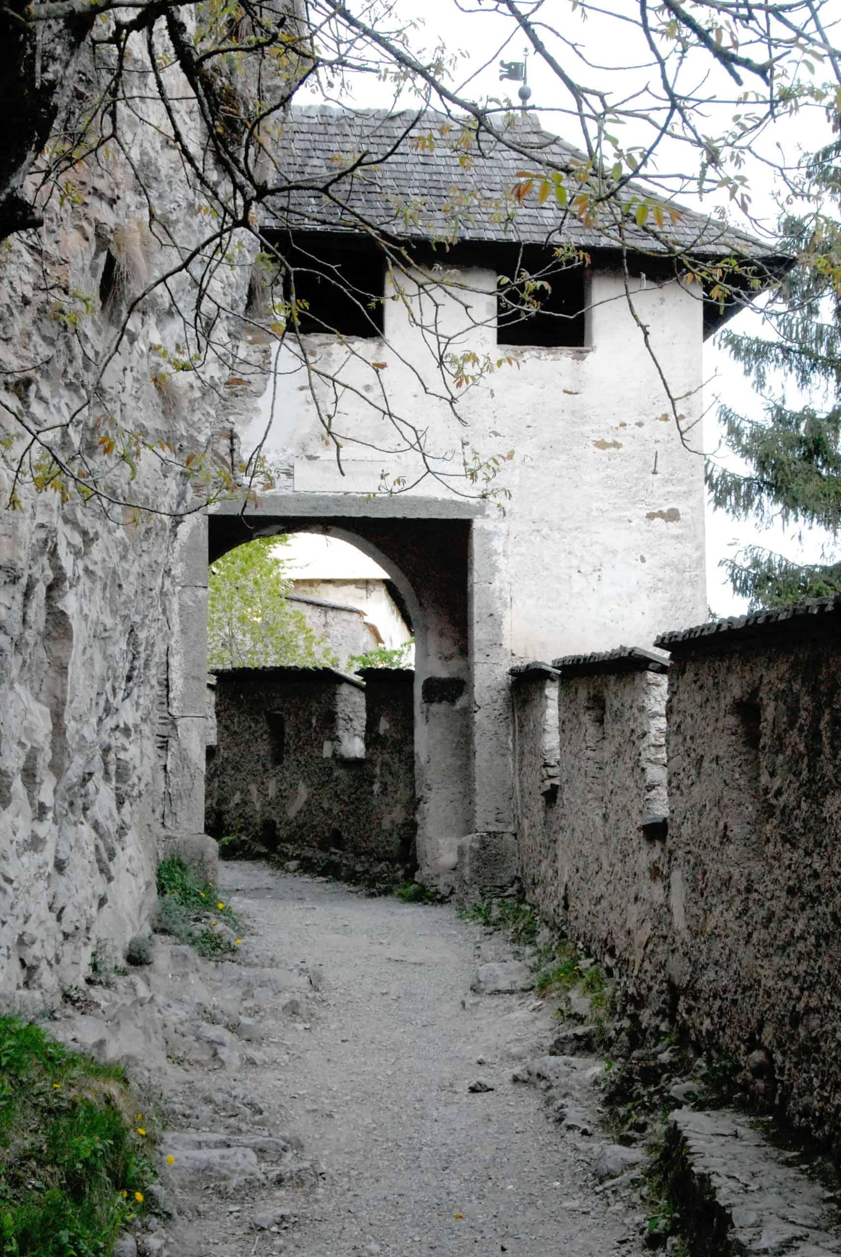 Nautor - Burgtor auf der Burg Hochosterwitz. Sehenswürdigkeit in Kärnten, Nähe St. Veit und Klagenfurt.
