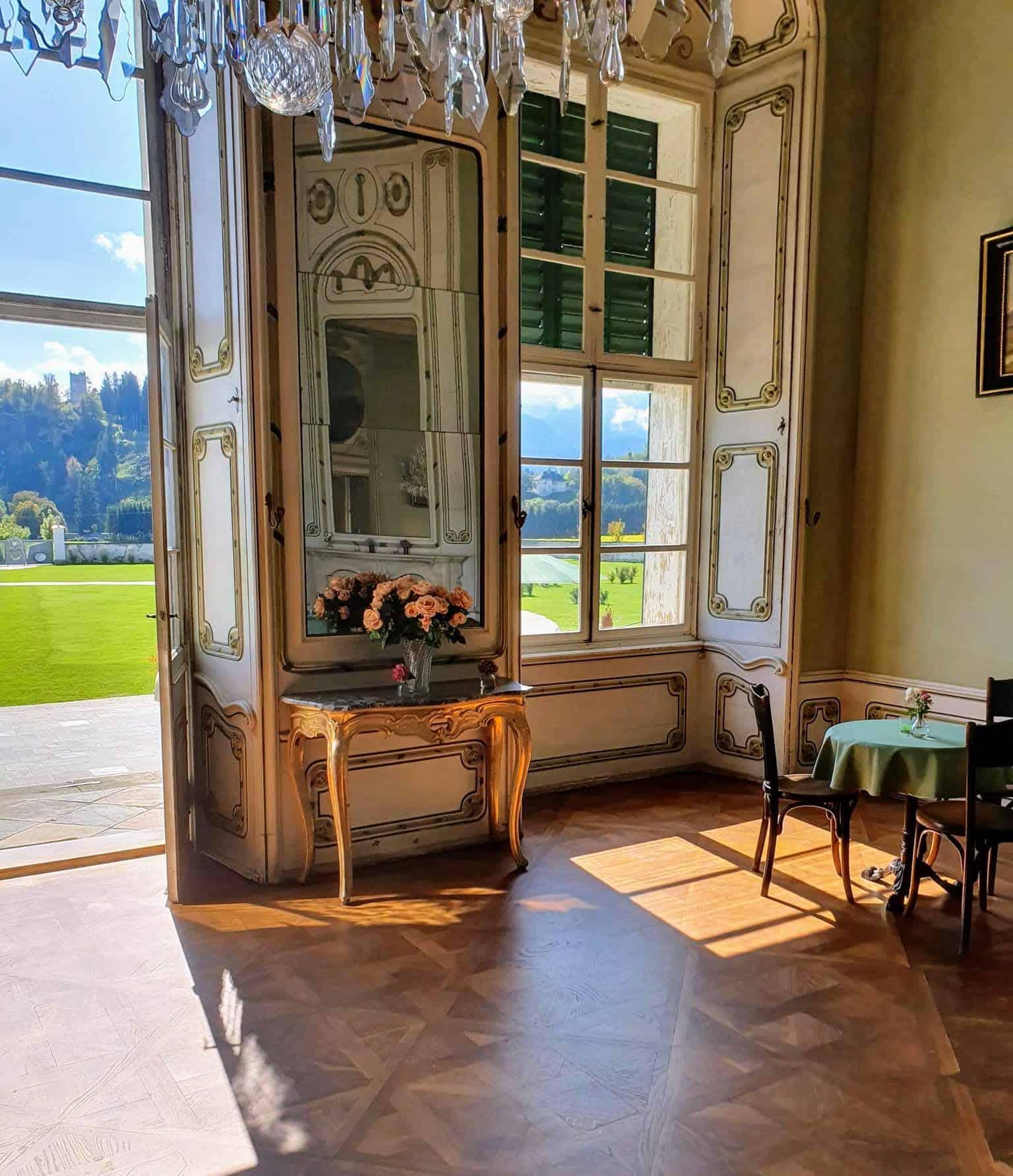 Im Schloss Rosegg - Sehenswürdigkeit in Kärnten, Nähe Velden am Wörthersee. Geheimtipp Schlosscafè