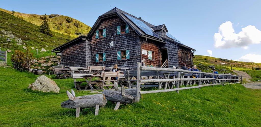 Millstätter Hütte in den Nockbergen - Sehenswürdigkeit und Ausflugsziel in Kärnten