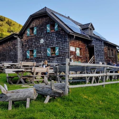 Geheimtipp am Millstätter See - Millstätter Hütte auf der Millstätter Alm in den Nockbergen - Kärnten, Österreich