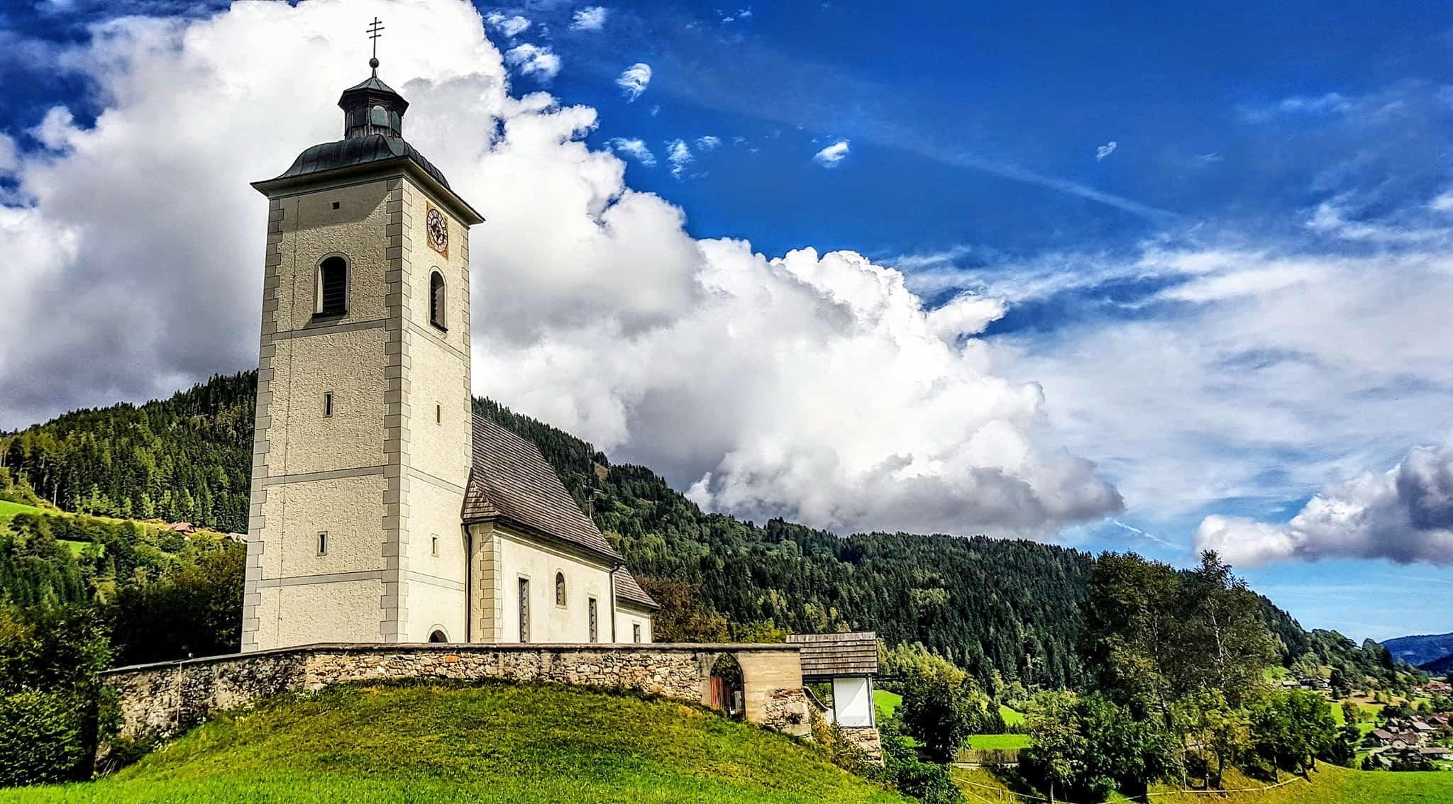 Ausflugstipp Arriach Gerlitzen Alpe - Kirche. Auch schönes Wandergebiet in Kärnten.