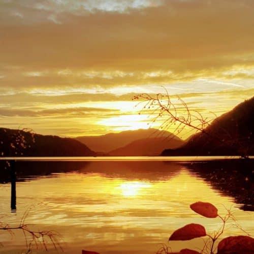 Ossiacher See Urlaubsregion Villach in Kärnten Sonnenuntergang