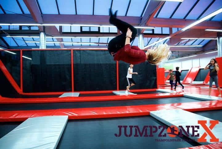 Schlechtwetter-Ausflugsziel Trampolinpark JumpzoneX in der Stadt Villach - Indoor-Spielplätze für Kinder & Familien