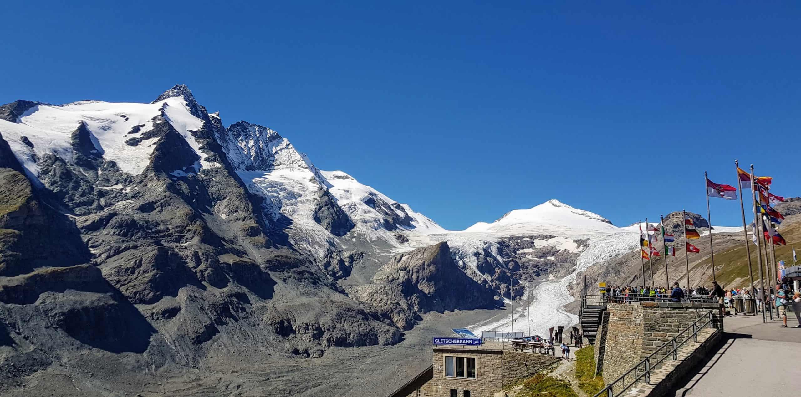 Großglockner, der schwarze Berg. Höchster Berg in Österreich im Nationalpark Hohe Tauern - Kärnten & Tirol - mit Gletscherbahn & Pasterze