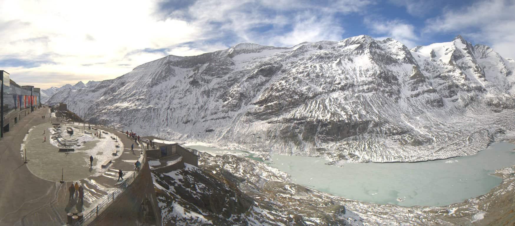 Kaiser Franz Josefs Höhe mit Großglockner mit Schnee geöffnet