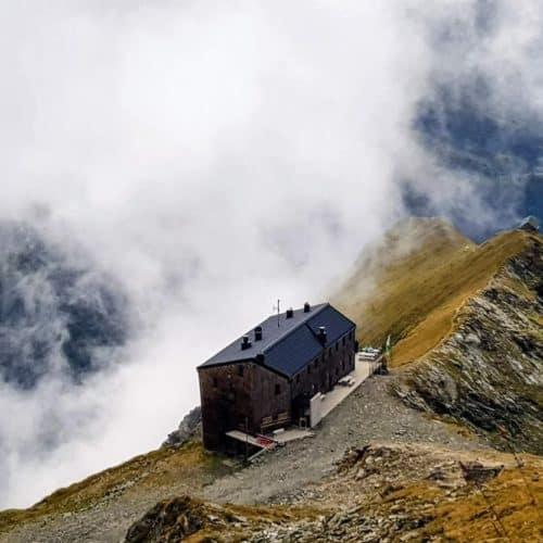 Hannoverhaus - Ankogelgruppe im Nationalpark Hohe Tauern in Kärnten. Wandergebiet und alpine Landschaft in Österreich bei Mallnitz.