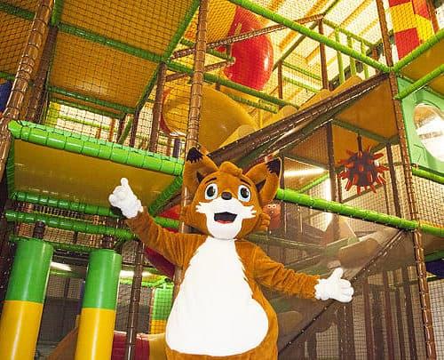 Schlechtwetter Ausflugsziel Klopeinersee - Indoor Spielehaus für Kinder in der Walderlebniswelt in St. Kanzian - Kärnten, Österreich