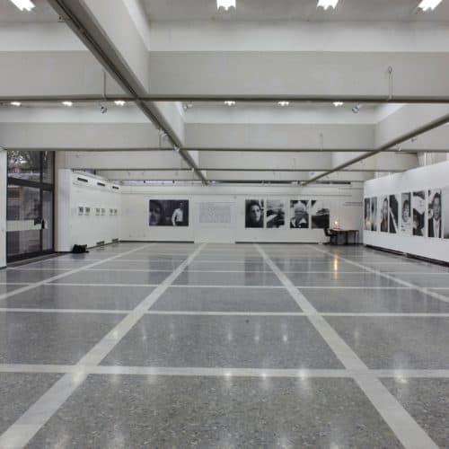 Winter in Kärnten bei Ausflug in der Alpe Adria Galerie in Klagenfurt - kulturelles Ausflugsziel in Österreich