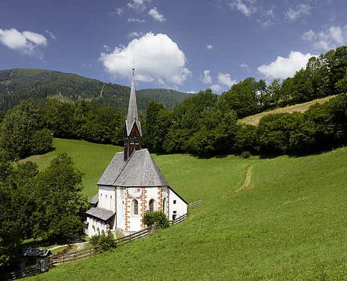 Kirche St. Kathrein auf Heilquelle in Urlaubsregion Bad Kleinkirchheim in Kärnten