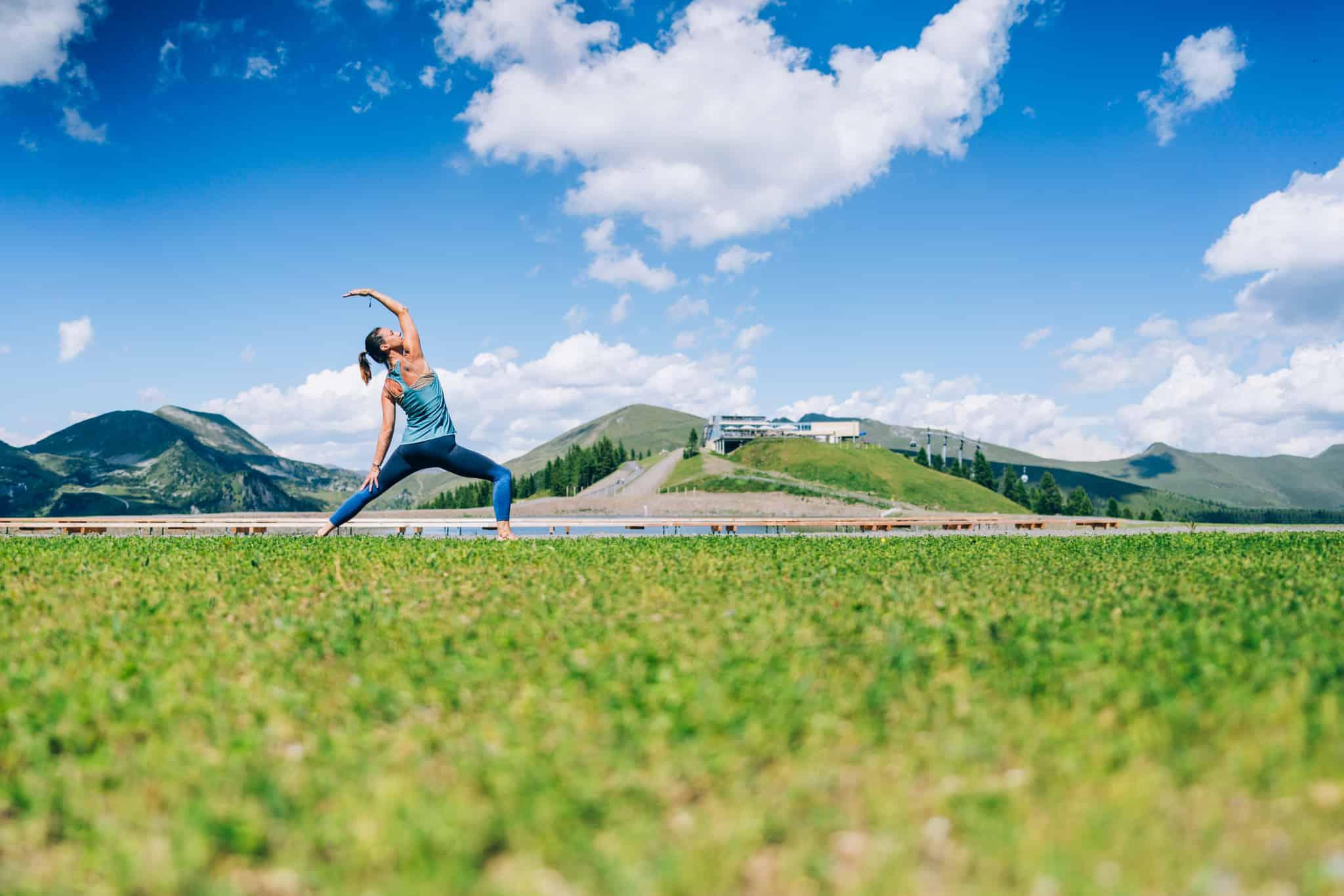 Yoga-Trail auf 2.000 m Seehöhe durch Berg & Wald in Urlaubsregion Bad Kleinkirchheim in Kärnten - aktiver Österreich-Urlaub