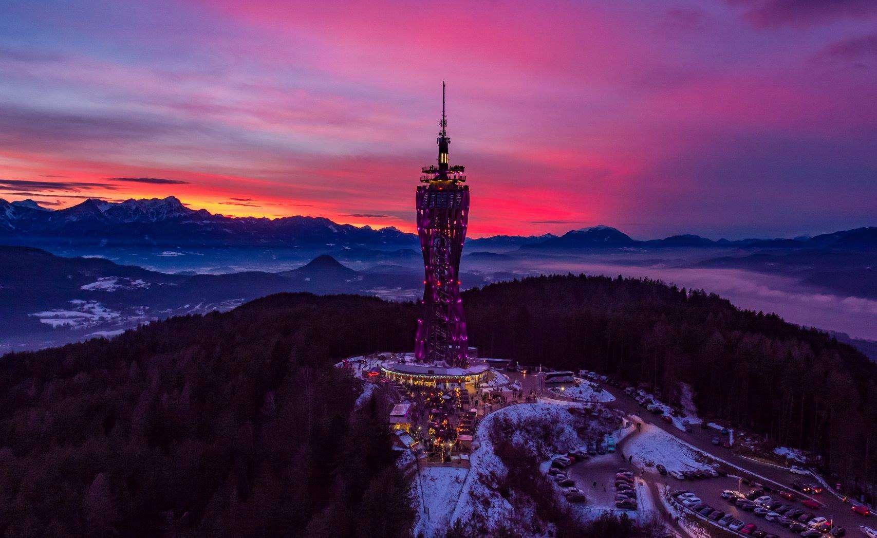 Adventmarkt am Pyramidenkogel bei Sonnenuntergang - Winter in Kärnten