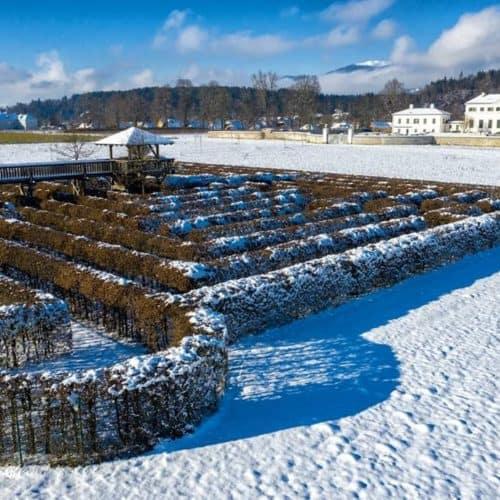 Labyrinth & Schloss Rosegg im Winter