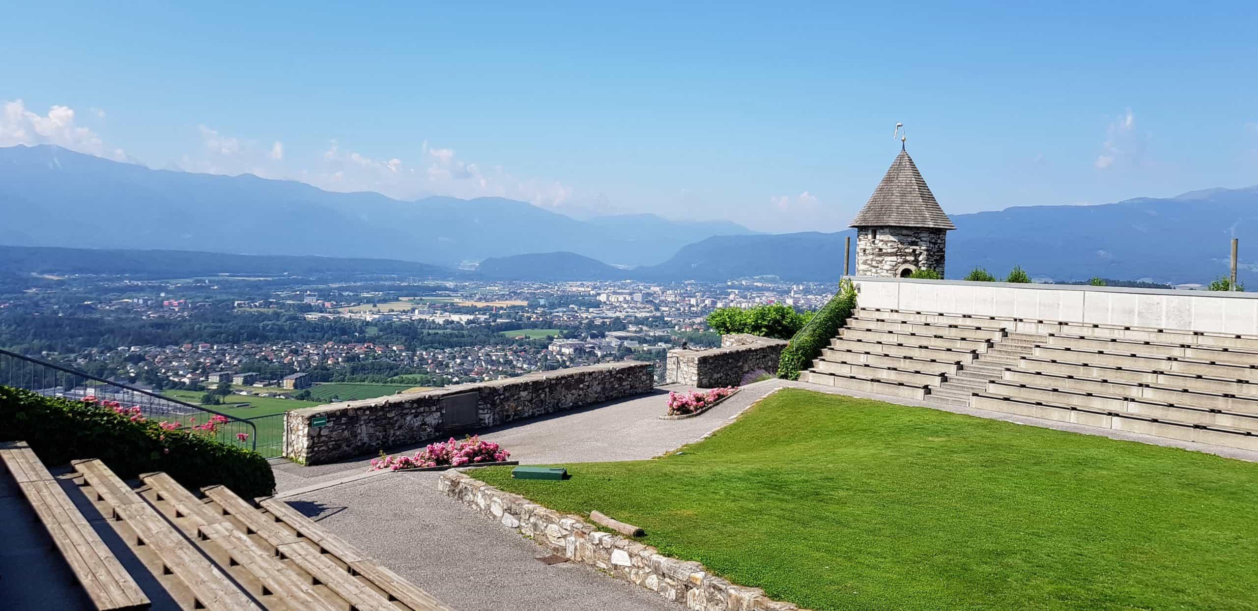 Adlerarena Burg Landskron mit Blick auf Villach - Sehenswürdigkeit in Kärnten