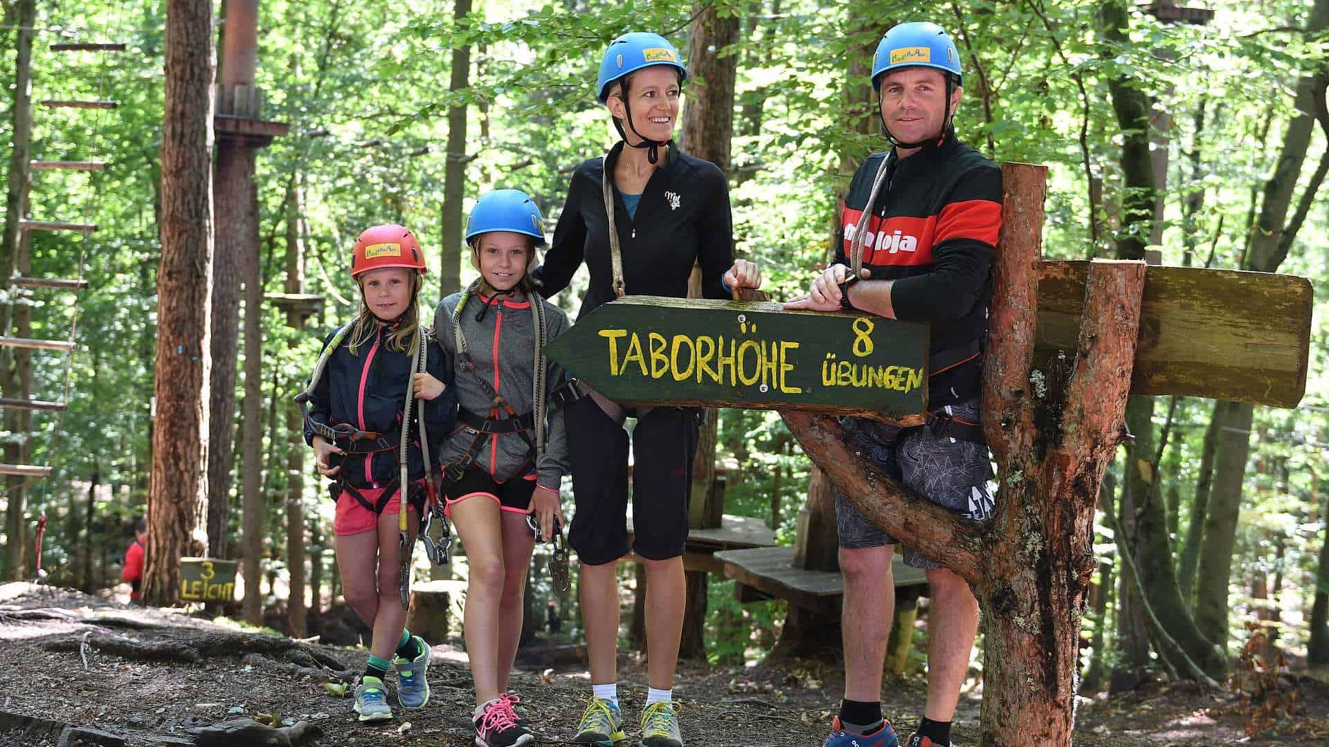Familienausflug in Waldseilpark Taborhöhe am Faaker See - Urlaubsregion Villach in Kärnten, Österreich