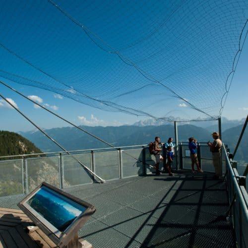 Skywalk im Naturpark Dobratsch entlang Villacher Alpenstraße - Tipp für Aktivitäten in der Urlaubsregion Villach in Kärnten, Österreich