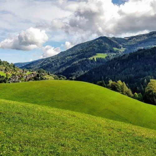 Wandern am Fuße der Gerlitzen Alpe in Arriach - Urlaubsregion Villach in Österreich, Kärnten