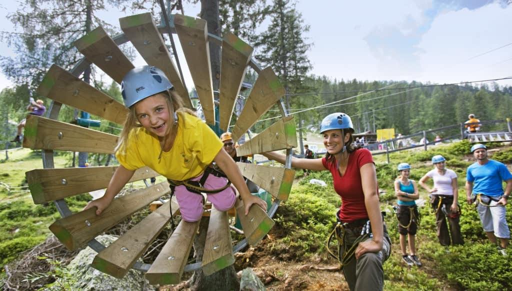 Aktivitäten im Outdoorpark Nassfeld Felsenlabyrinth