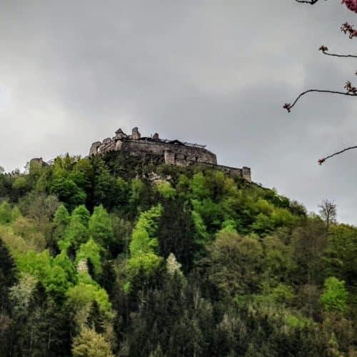 Burgruine Landskron bei Villach am Ossiacher See - geöffnet im Frühling