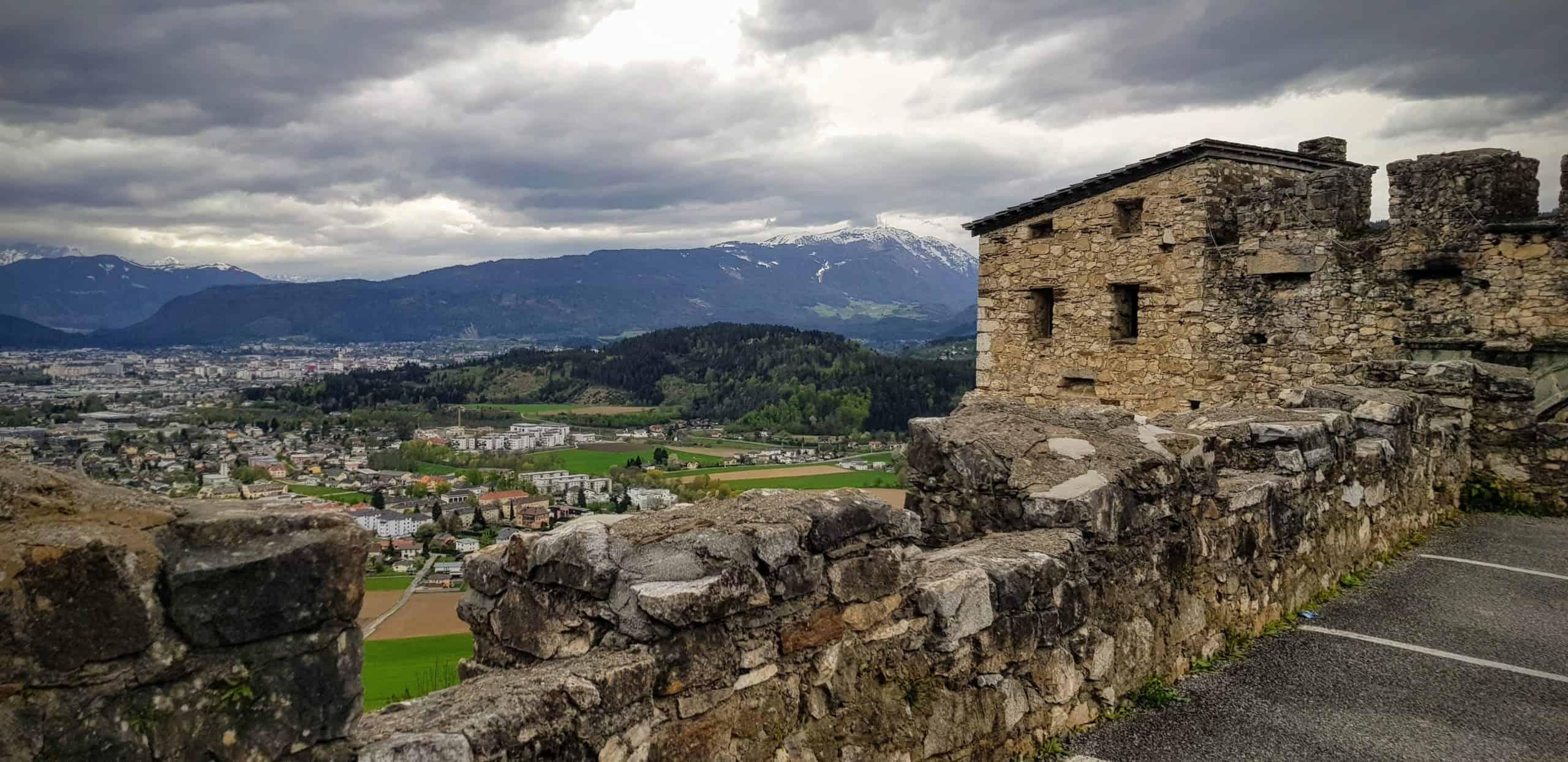 Ausblick auf Villach von Burg Landskron