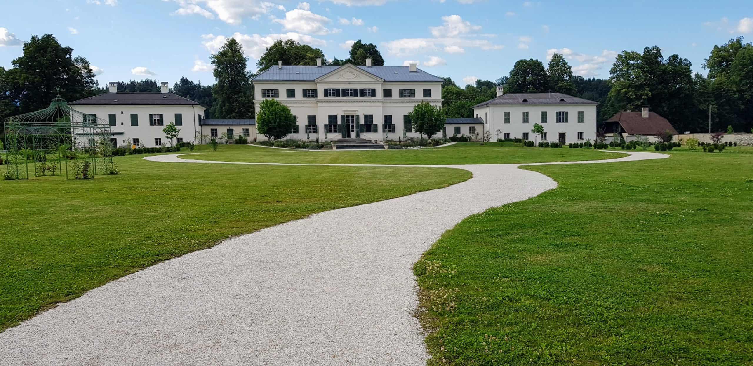 Schloss Rosegg Nähe Wörthersee im Mai geöffnet