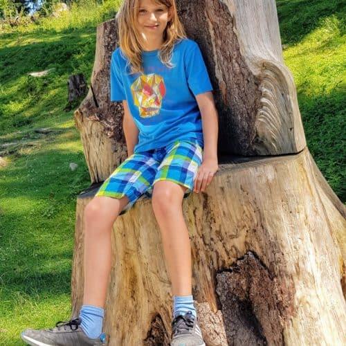 Kind bei Ausflug in den Tierpark Rosegg im Rosental - TOP-Ausflugsziel in Kärnten, Österreich