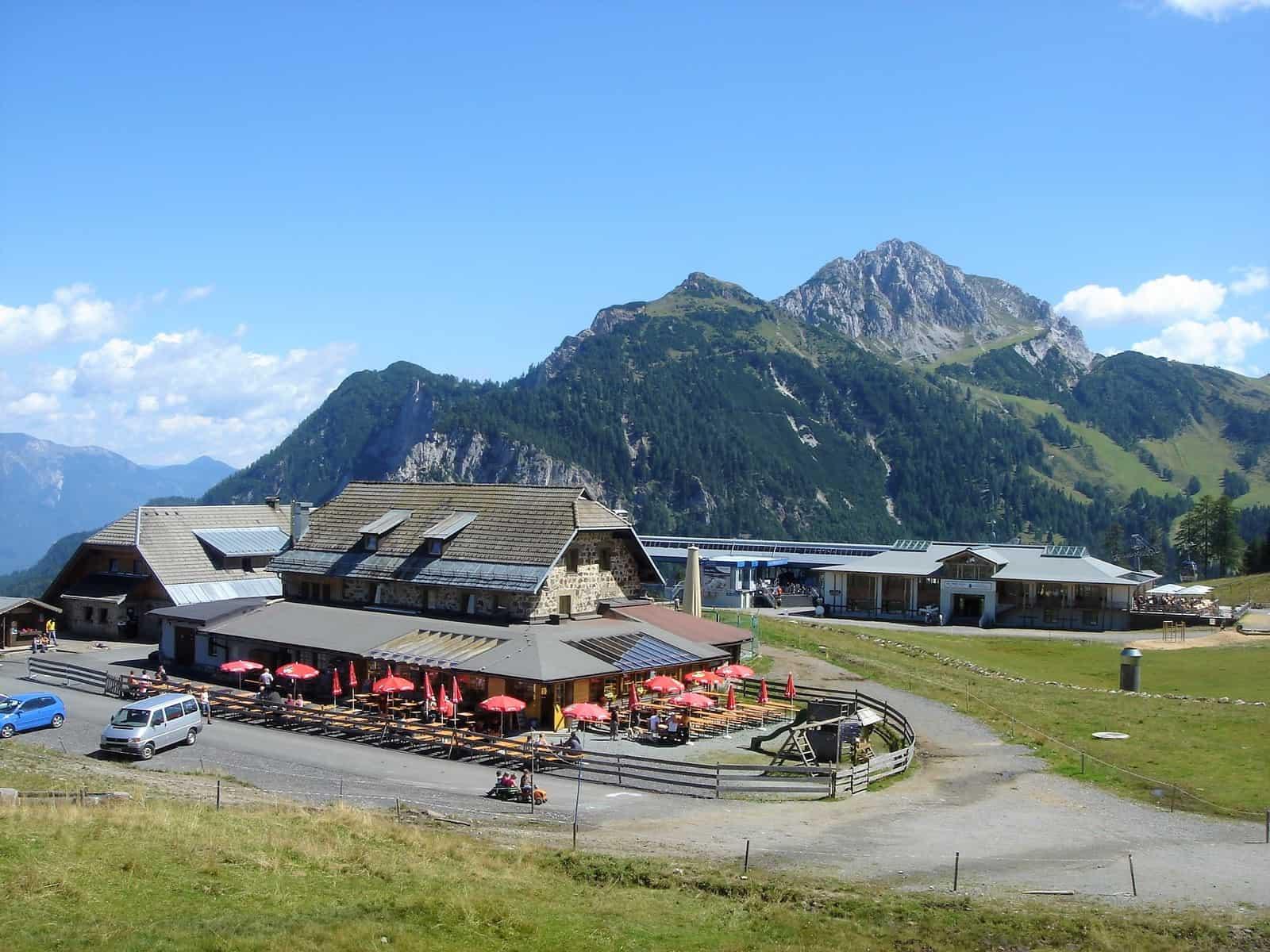 Ausflugsziel und Gasthaus bei der Schaukäserei Tressdorfer Alm am Nassfeld in Kärnten
