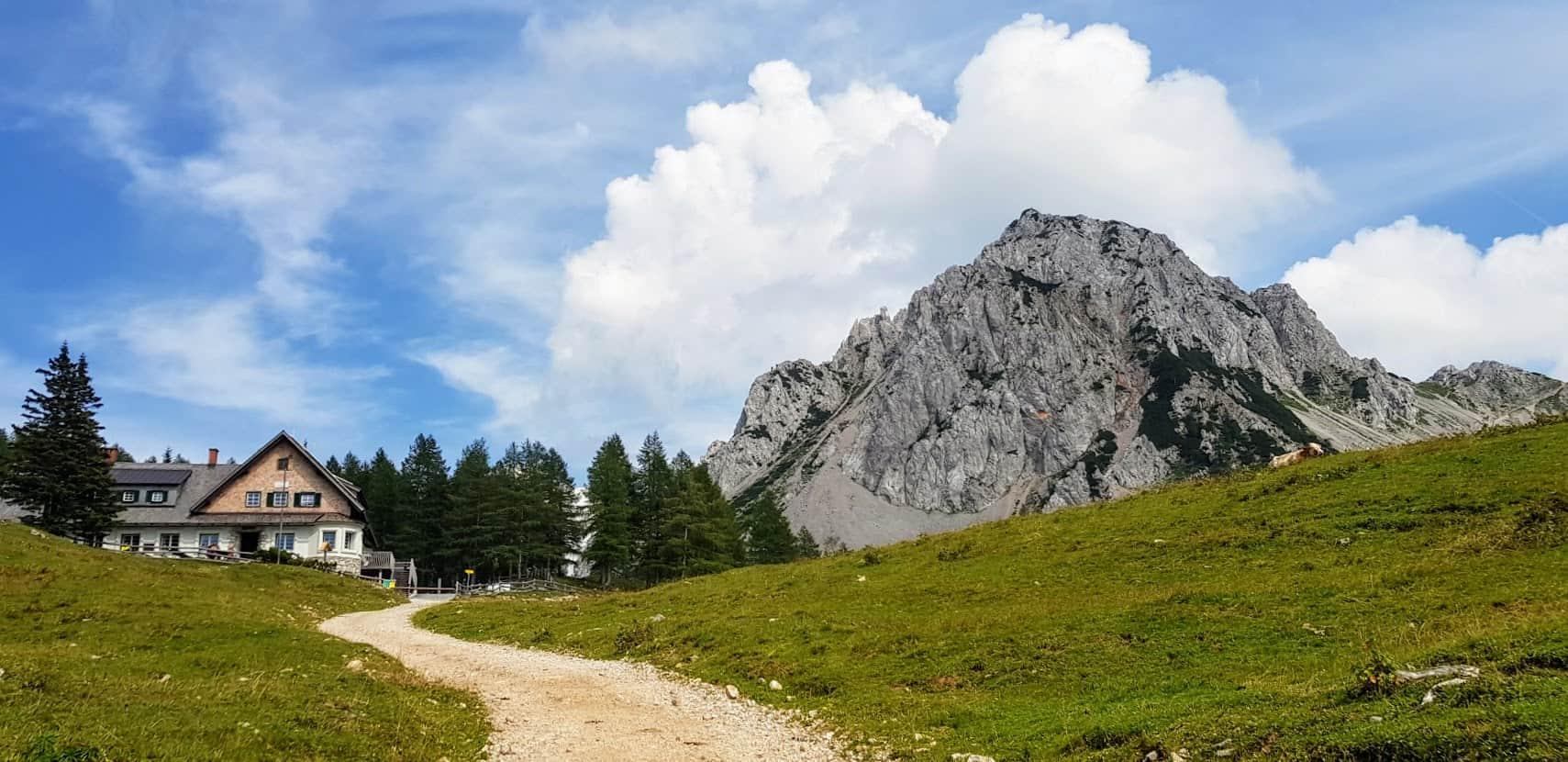 Wander- & Ausflugstipp Klagenfurter Hütte am Fuße des Kosiak in den Karawanken