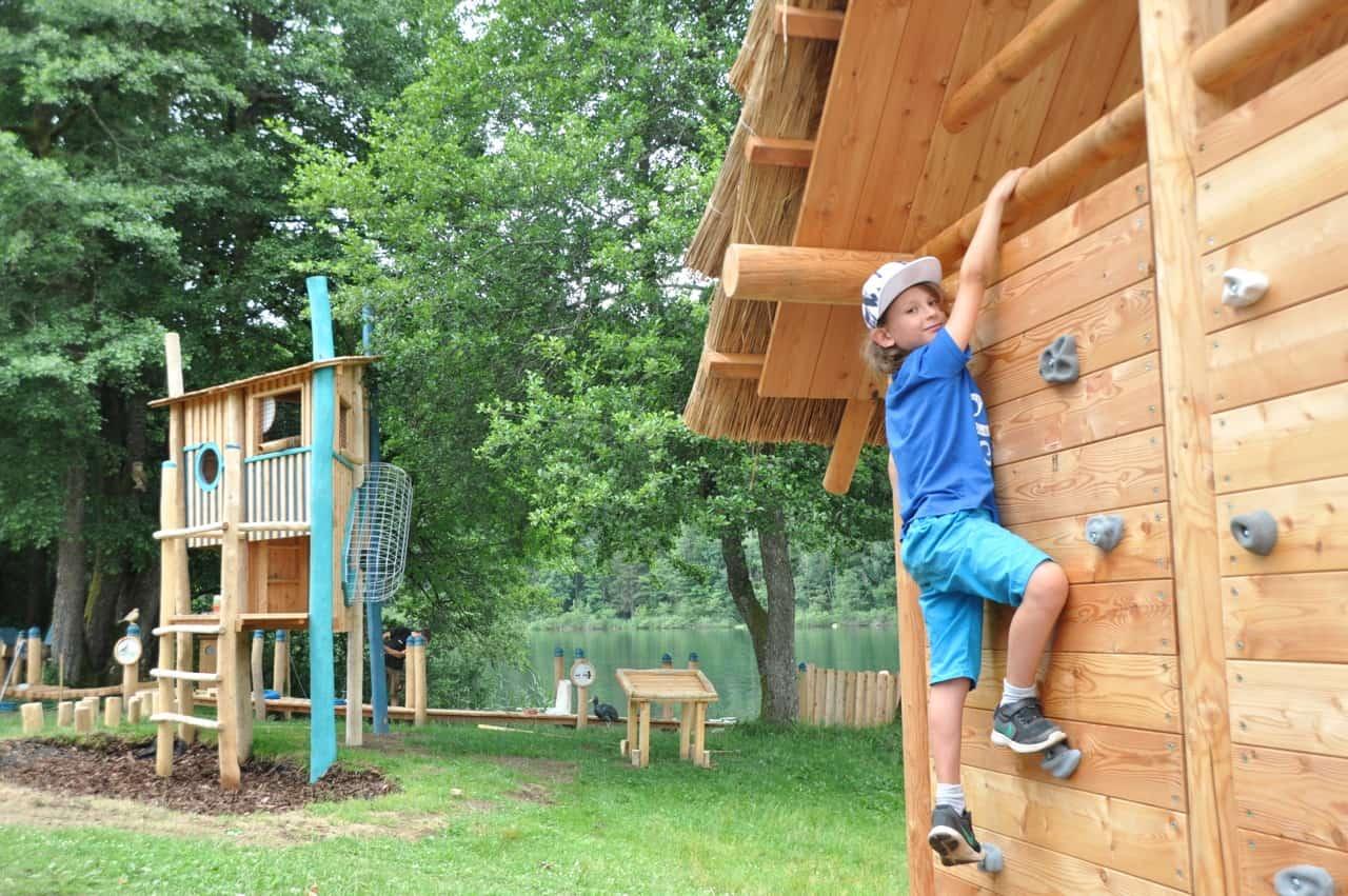 Kinderspielplatz im Familienstrandbad Rauschelesee - Ausflugsziel für Familien Nähe Wörthersee in Kärnten