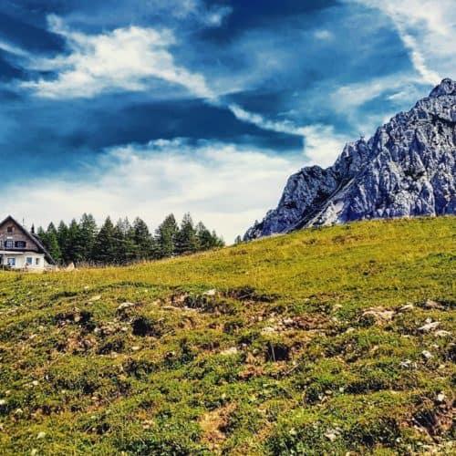 Wandern & Ausflug zur Klagenfurter Hütte am Fuße des Kosiak in den Karawanken - Carnica Region Rosental in Kärnten