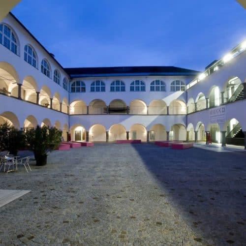 Museum Moderne Kunst in Klagenfurt am Wörthersee für Aktivitäten in Österreich
