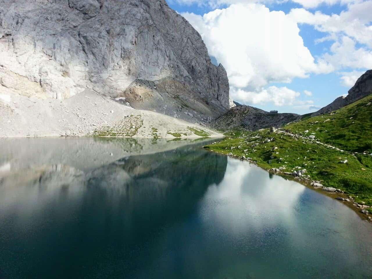 Wolaysersee in Kärnten - Wandern zum Bergsee in den Karnischen Alpen im Gailtal, Österreich