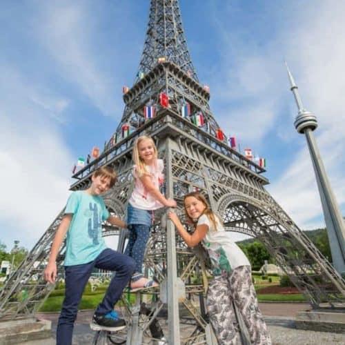 Eiffelturm in Minimundus - die kleine Welt am Wörthersee & Ausflugsziel in Klagenfurt