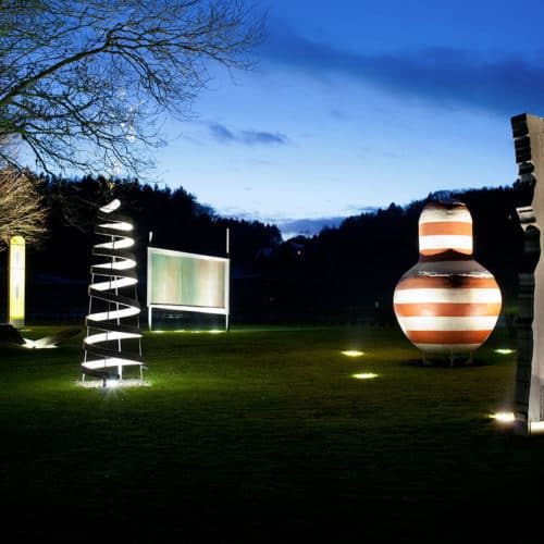 Sehenswerter Skulpturenpark Holzbau Gasser im Rosental