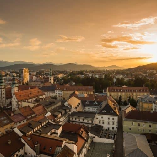 Aussicht auf die Landeshauptstadt Klagenfurt am Wörthersee vom Stadtpfarrturm - Ausflugstipp in Kärnten