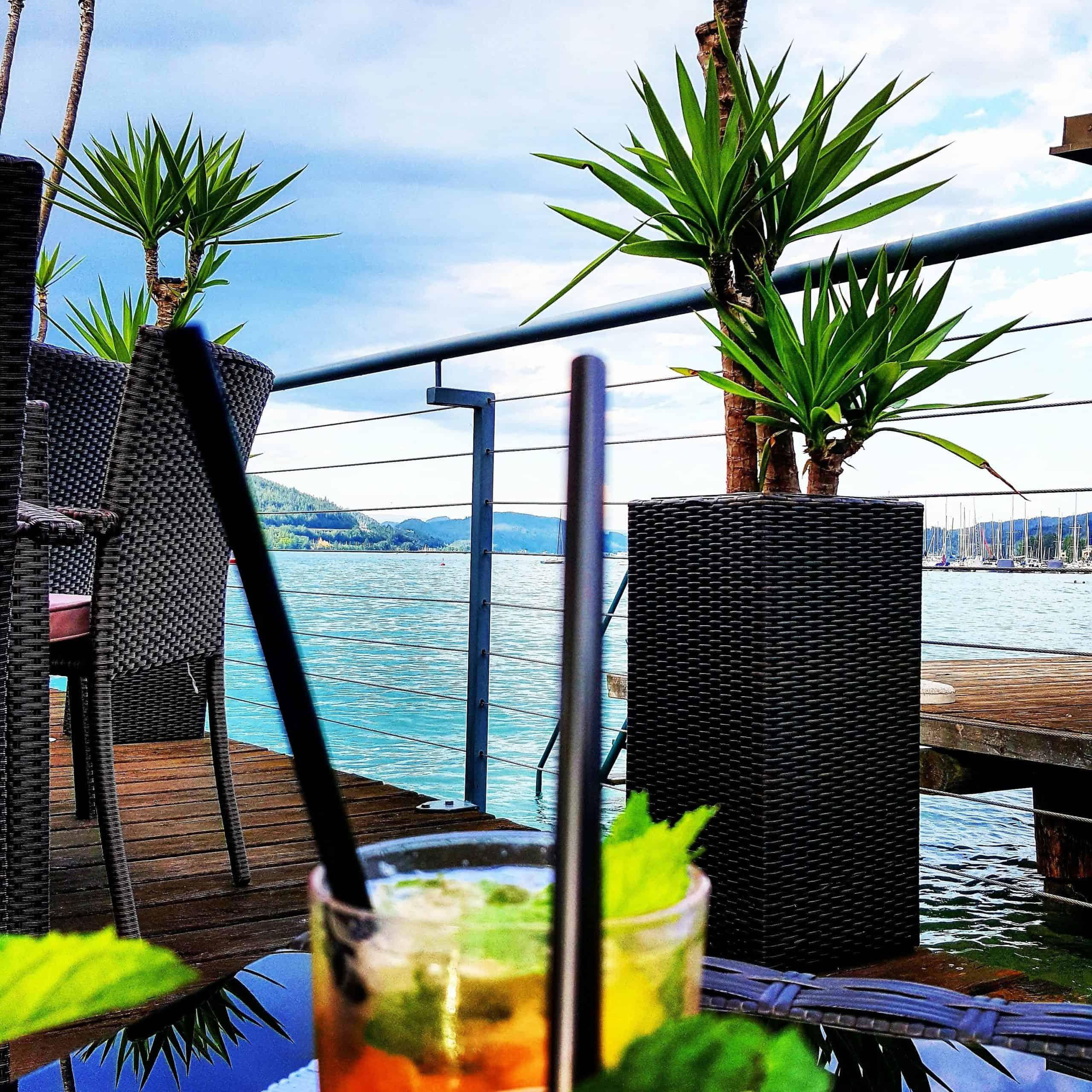 Cocktail trinken am Wörthersee in Kärnten - Bar in Velden
