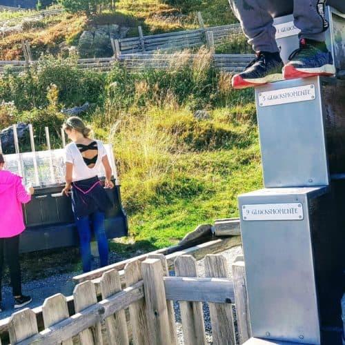 Wasserstationen beim Kinderspielplatz auf der Turrach - Ausflugstipp für Familien in Kärnten