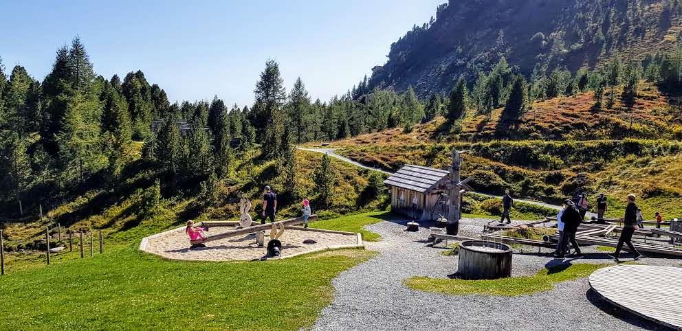 Abenteuer und Action auf der Turracher Höhe auf Kinderspielplatz Nocky's Almzeit beim Nocky Flitzer